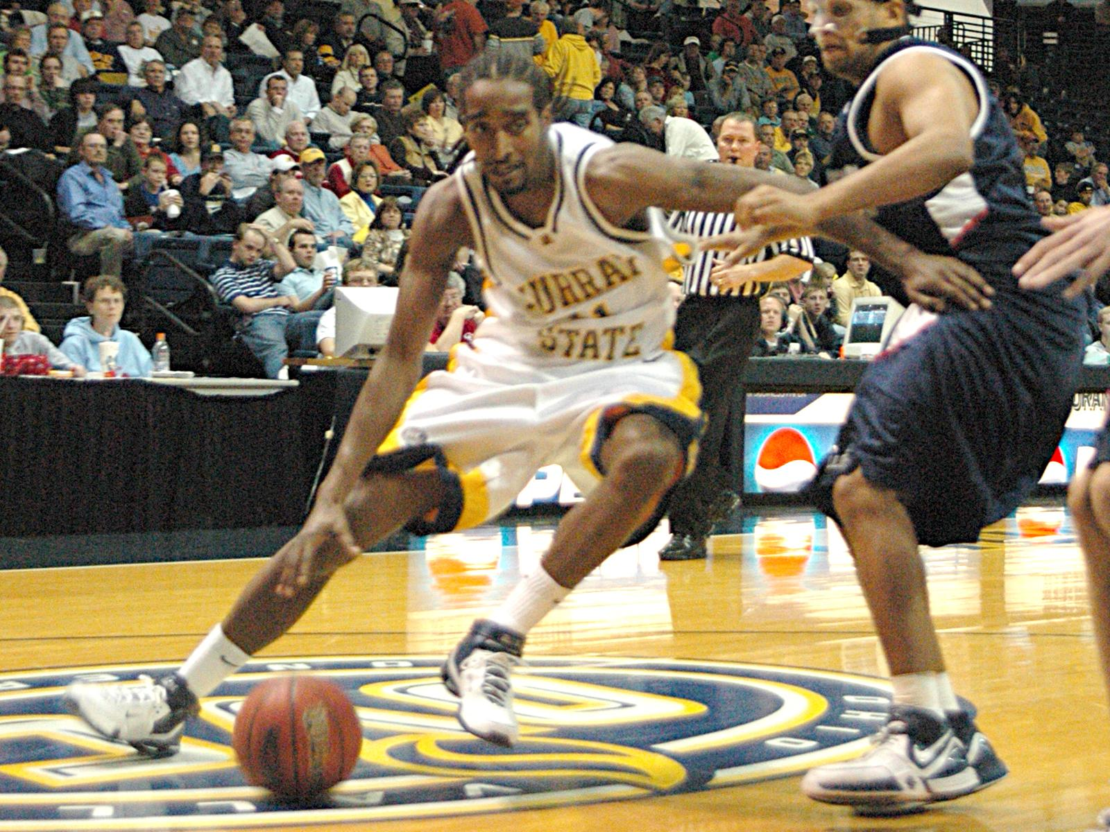 Bruce Carter Recieves Ovc Basketball Honors Murray State University Athletics
